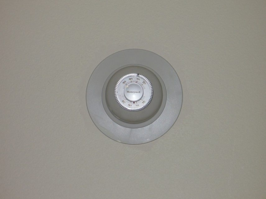 save electricity pictures - wall thermostat for AC