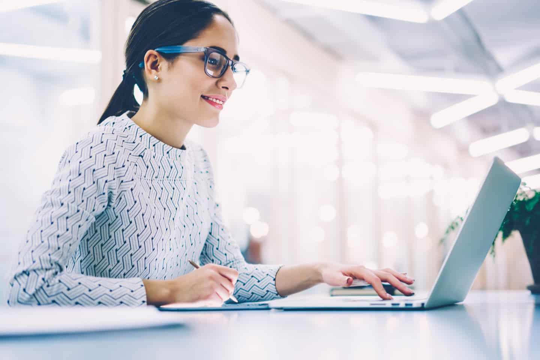 Woman working online tutoring jobs